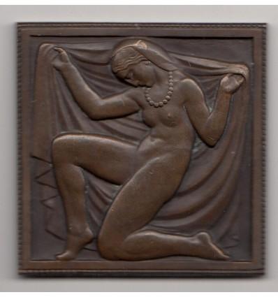 Femme au collier par Marcel Renard s.d. ( 1927 )