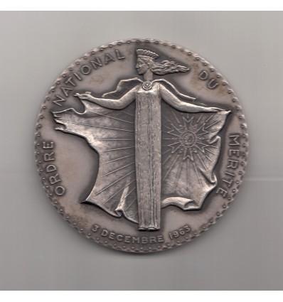 Ordre national du Mérite par Léognany 1963