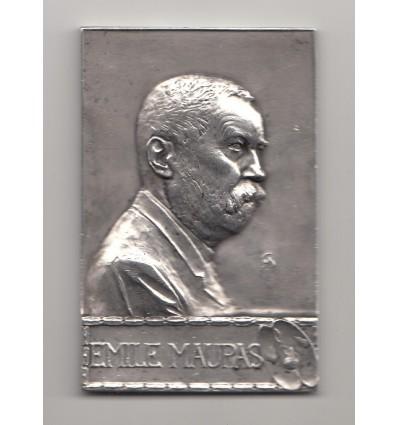 Hommage à Emile Maupas, biologiste et botaniste français 1900