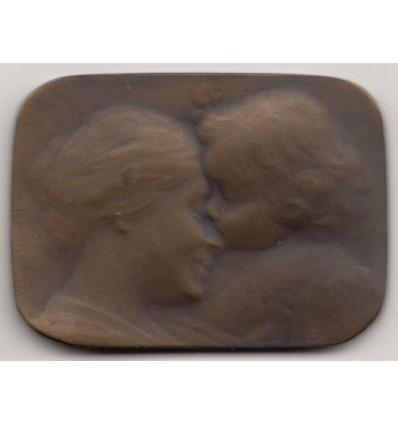 Le baiser de l'enfant par Ovide Yencesse s.d.