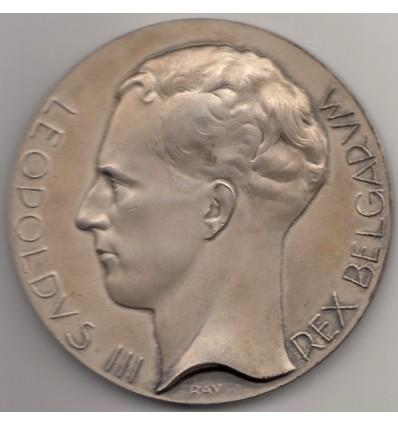 Belgique Léopold III compétition franco-belge d'escrime 1937